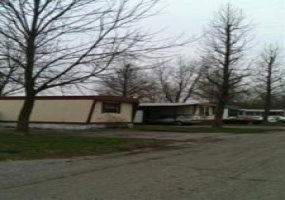 Illinois,United States,Mobile Home Community,1045