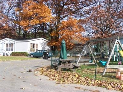 Michigan,United States,Mobile Home Community,1046
