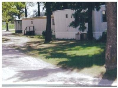 Illinois,United States,Mobile Home Community,1049