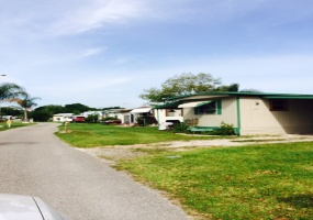 Tampa Area,Florida,United States,Mobile Home Community,1082