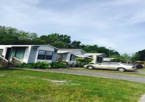 Tampa Area,United States,Mobile Home Community,1084