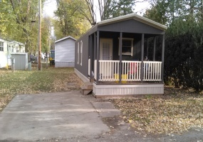 Northwest,Illinois,United States,Mobile Home Community,1093