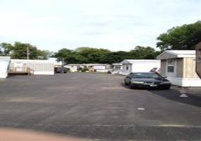 Illinois,United States,Mobile Home Community,1028