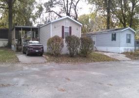 Northwest,Illinois,United States,Mobile Home Community,1093